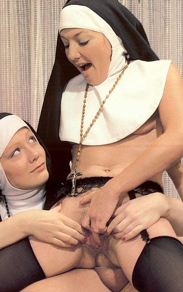 порнофото в монастире