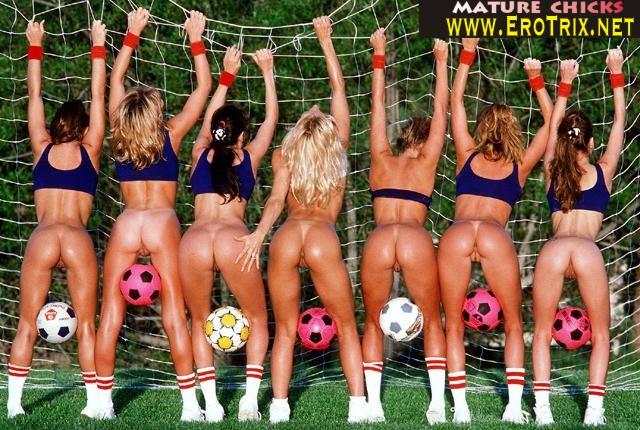 eroticheskoe-foto-futbolistov-rossiyskoy-komandi