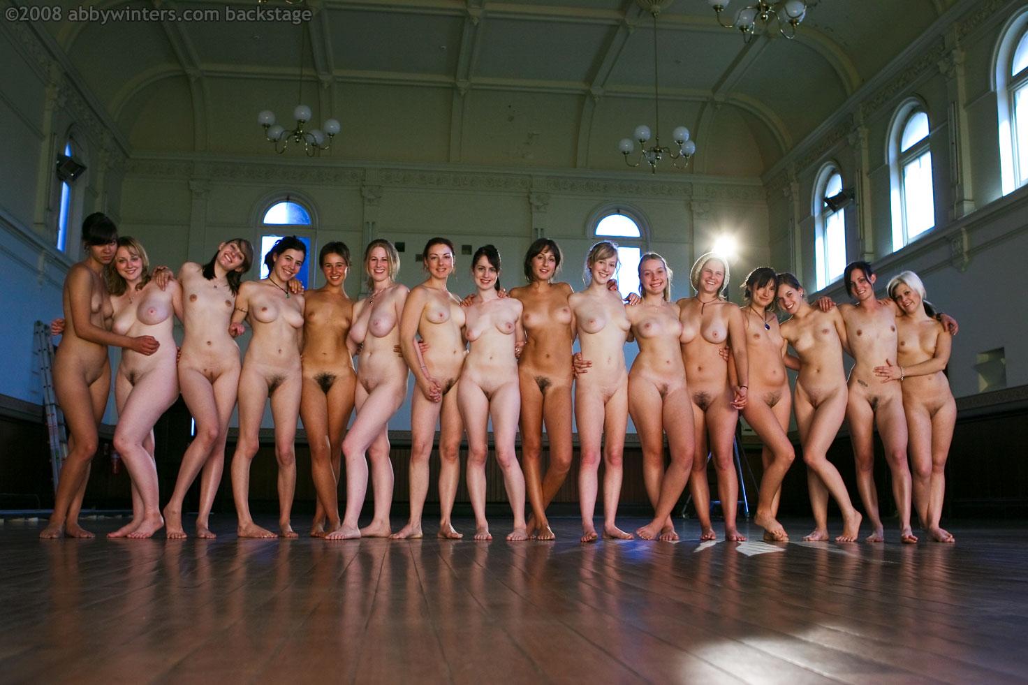 Фото толпа голых