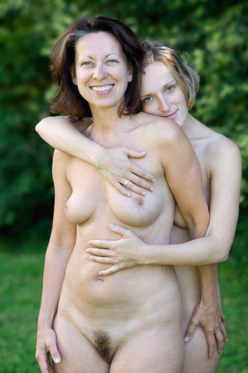 фото голая мать